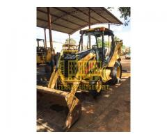 Retroescavadeira Caterpillar CAT 416E 4x2