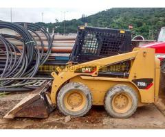 Minicarregadeira Caterpillar CAT 216 B2
