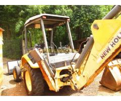 Retroescavadeira New Holland LB 90
