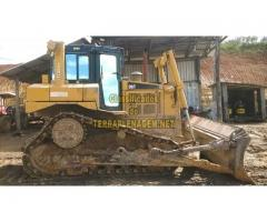 Trator de esteiras Caterpillar CAT D6T