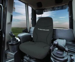 Interior da cabine do trator New Holland D180C